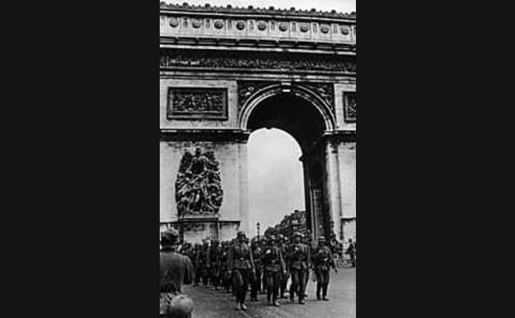 i nazisti conquistano parigi