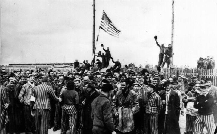 la liberazione dei prigionieri di un campo di concentramento