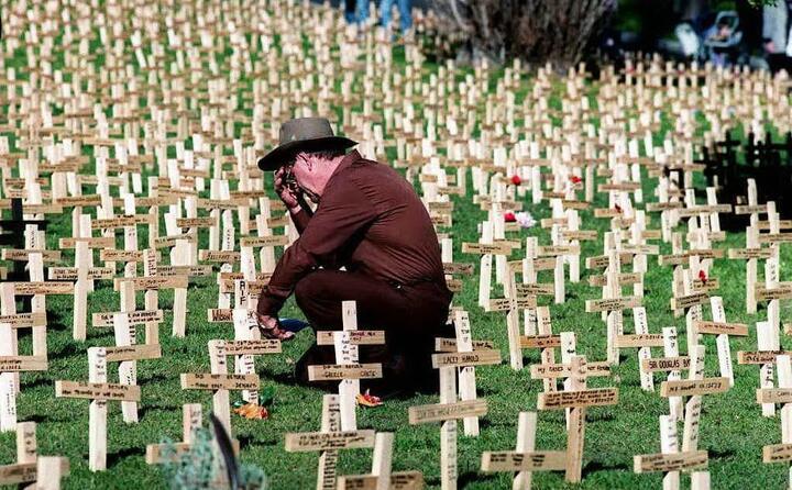 un veterano tra i caduti della seconda guerra mondiale (le foto sono ansa e wikipedia)