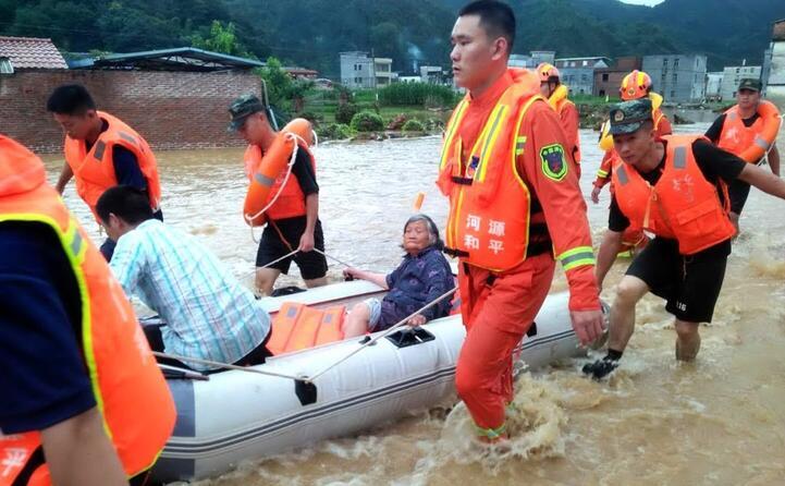 frane e inondazioni la cina del sud flagellata dal maltempo