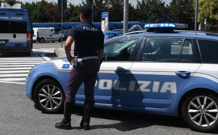 polizia stradale (ansa)