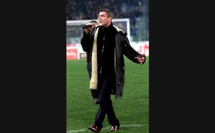 l esibizione all olimpico di roma in occasione del derby del cuore 2000