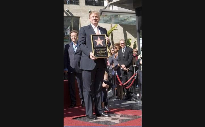 il successo in tv gli valso anche una stella sulla walk of fame di hollywood