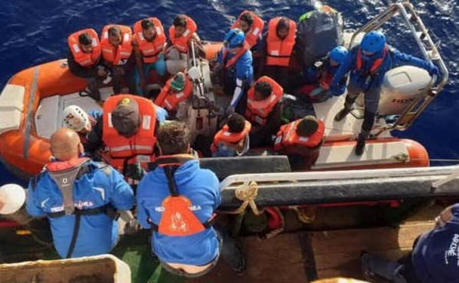 i soccorritori hanno salvato 31 persone (ansa)
