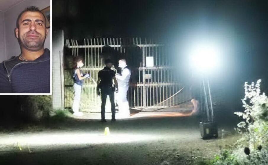 il luogo del ritrovamento del cadavere e nel riquadro la vittima antonio piras (foto l unione sarda ungari)