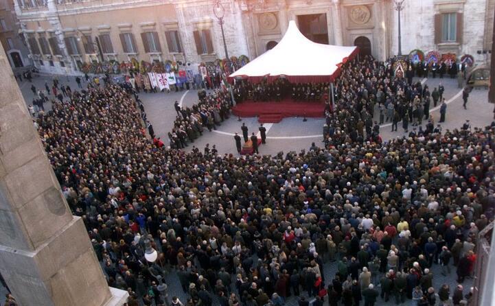 piazza montecitorio il funerale di nilde iotti