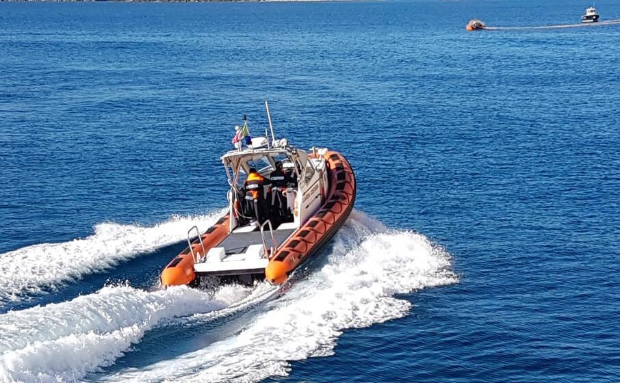 (foto guardia costiera)