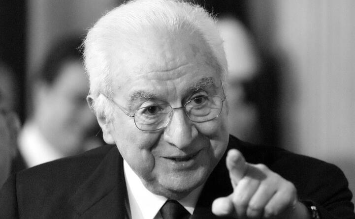 accaddeoggi 24 giugno 1985 francesco cossiga eletto presidente della repubblica (archivio l unione sarda)