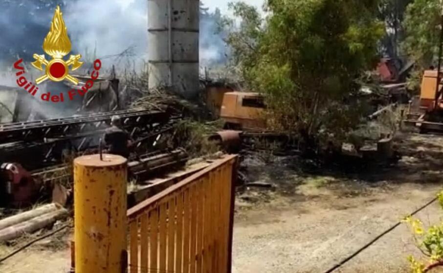 Cagliari, doppio intervento dei vigili del fuoco - L ...
