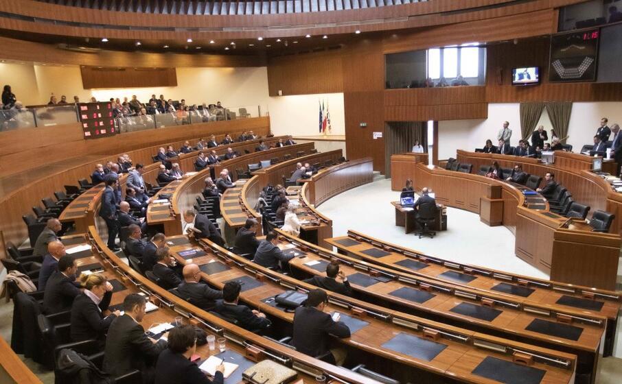 l aula del consiglio regionale (archivio l unione sarda)