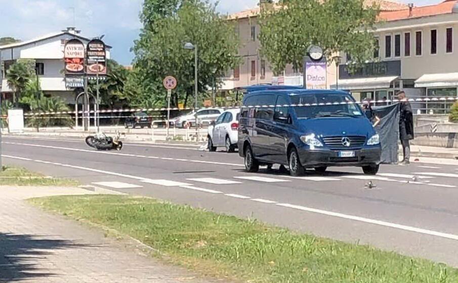un immagine dell incidente (foto facebook associazione familiari e vittime della strada)
