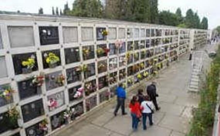 il cimitero di quartu (archivio l unione sarda)