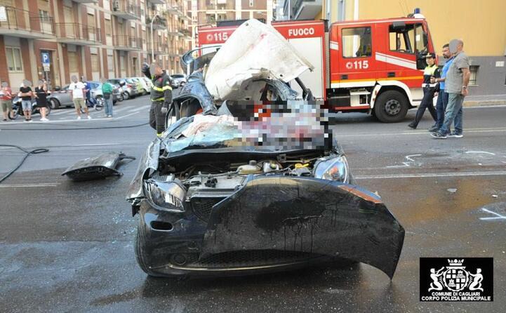 la carcassa della macchina