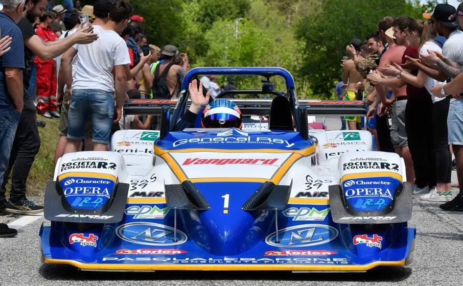 omar magliona a bordo dell osella pa2000 (foto vanna chessa)