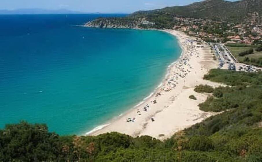 la spiaggia di solanas (archivio l unione sarda)