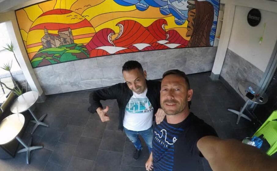 il murale realizzato all esterno del bar di marrubiu (foto l unione sarda pintori)
