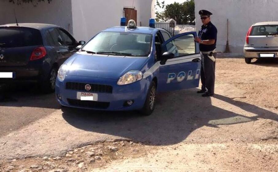 polizia (ansa)