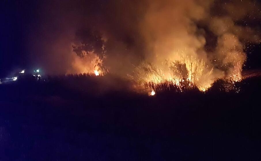 le fiamme (foto l unione sarda pintori)