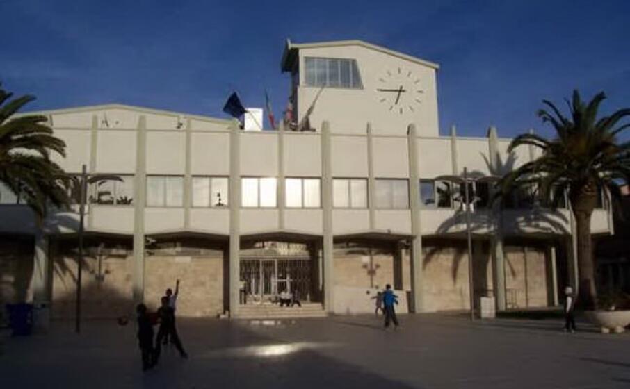 il palazzo comunale (foto l unione sarda pala)