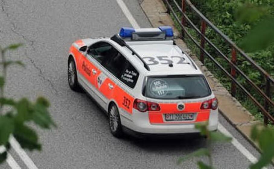 la polizia svizzera (foto fsfp)