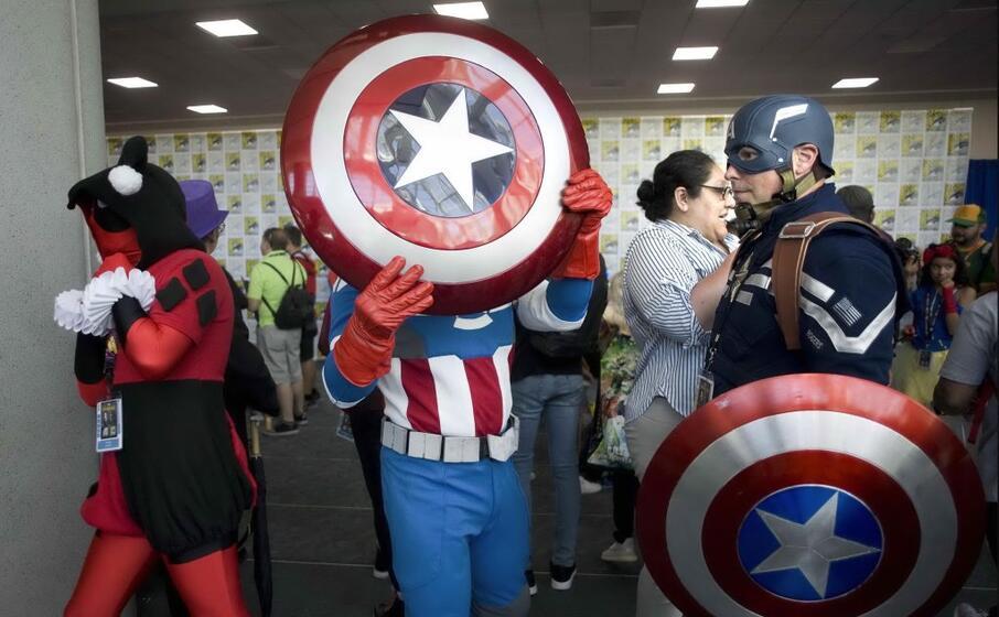 il cosplay (ovvero travestirsi e calarsi nei panni degli eroi della fantasia) una vera e propria mania tra gli appassionati del genere