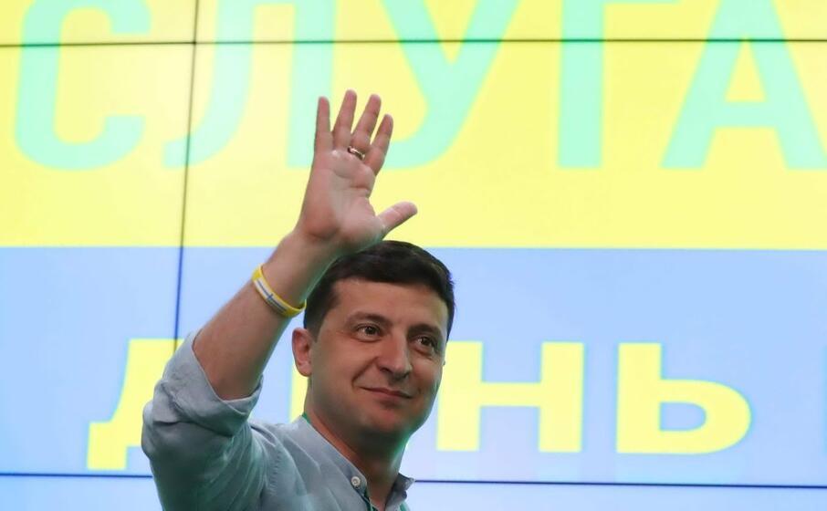 il presidente ucraino zelensky (ansa)