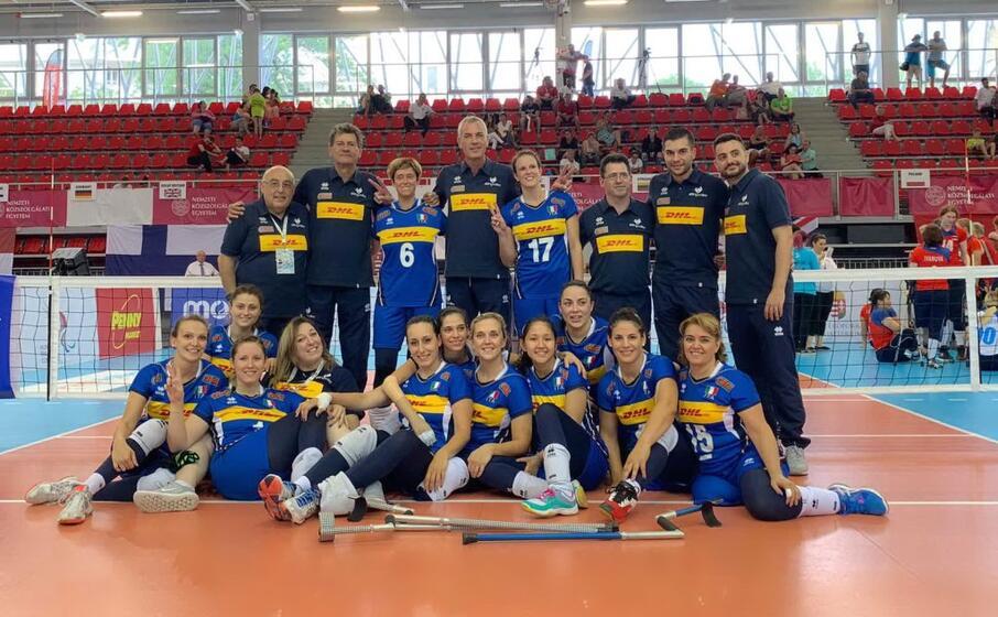 le azzurre del sitting volley dopo l argento europeo (foto fipav)