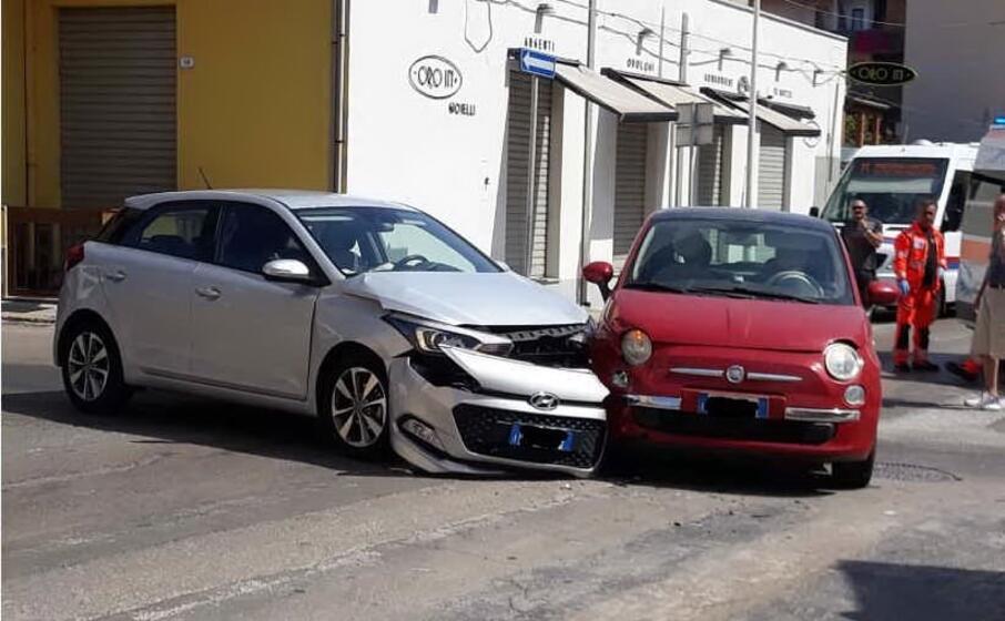 le auto coinvolte nell incidente (foto mariangela pala)