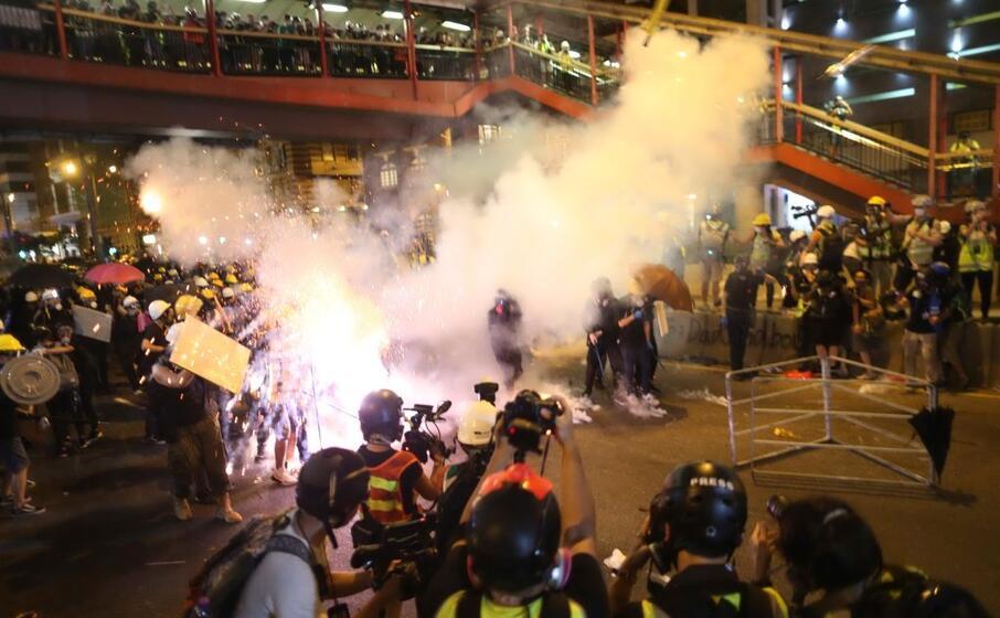 le proteste nelle strade (ansa)