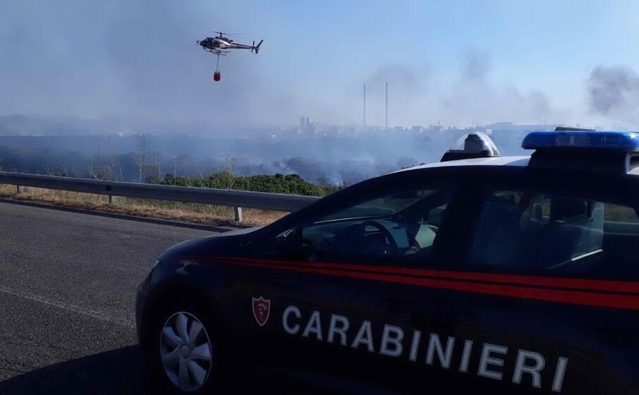 l incendio a ottana (foto carabinieri)