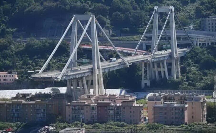 accaddeoggi il 14 agosto del 2018 crolla a genova il ponte morandi