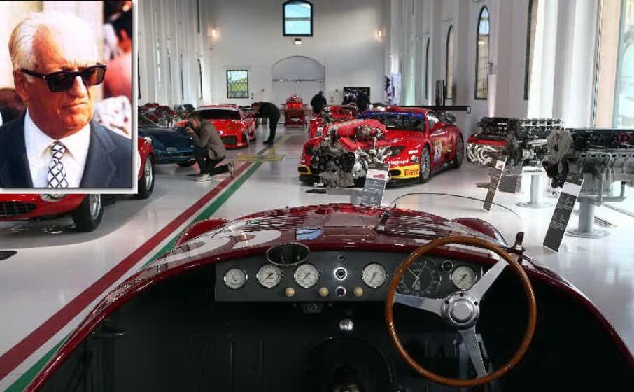 il museo dedicato ai motori (ansa) e nel riquadro enzo ferrari (archivio l unione sarda)