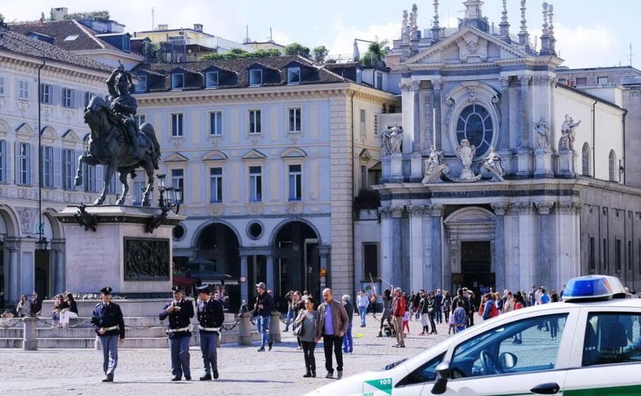 piazza san carlo a torino (ansa)