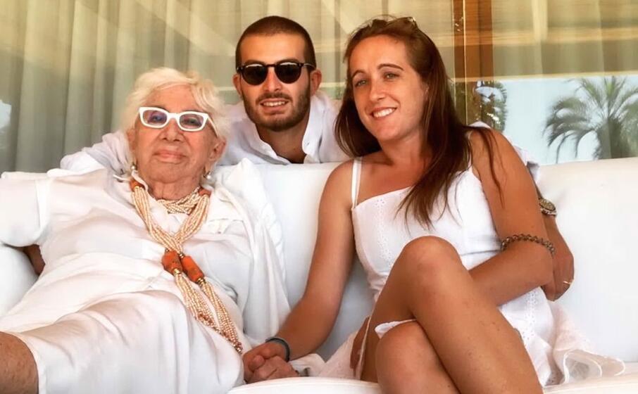 nella foto lina wertmuller con la figlia maria zulima job e il fidanzato alessandro santoni a porto rotondo ospiti di renzo persico