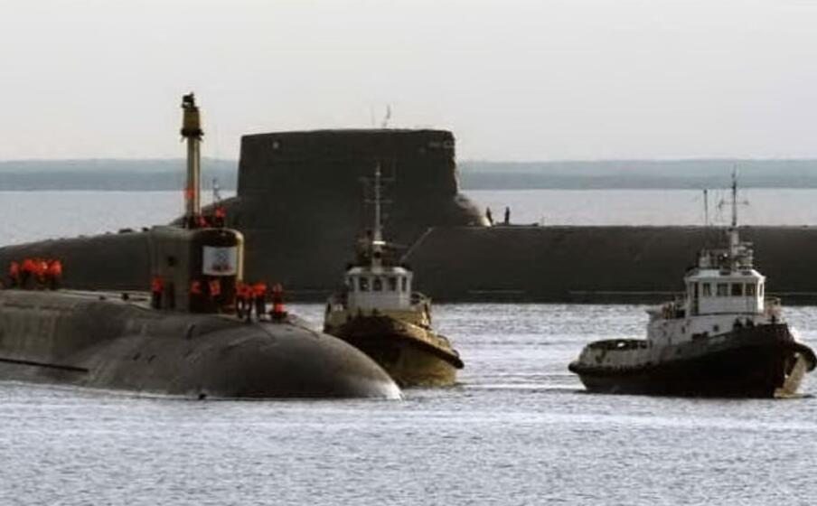 sottomarini russi (ansa)