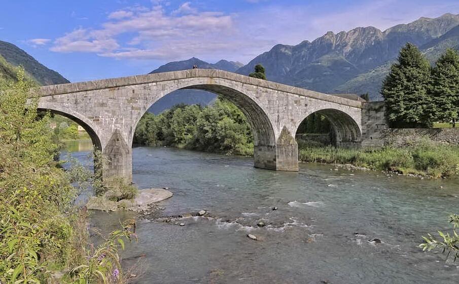 un ponte sul fiume adda (foto pixabay)