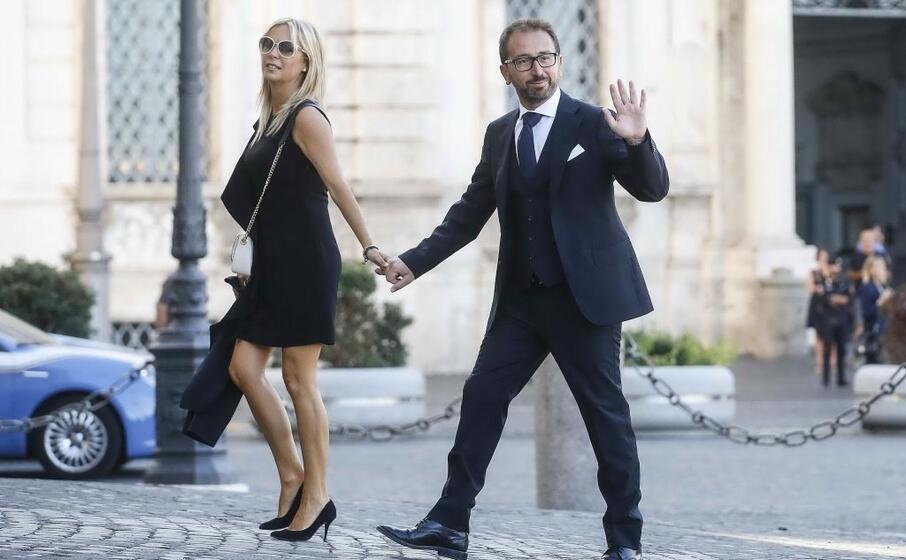 alfonso bonafede ministro della giustizia con la moglie valeria