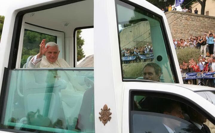 si tratta della terza visita del papa nell isola