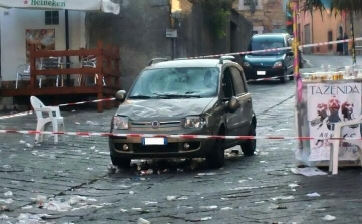 accaddeoggi il 9 settembre 2016 una macchina invade la piazza di nule