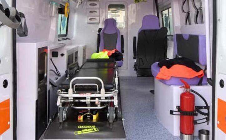 il conducente viene ricoverato all ospedale san francesco di nuoro aveva bevuto