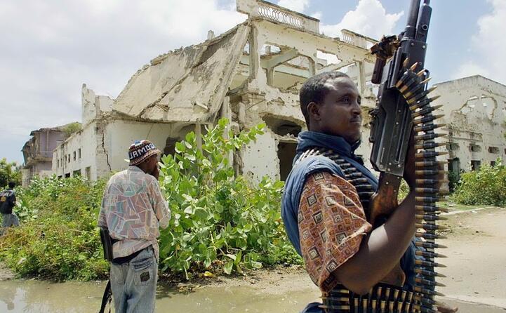 il sequestro avviene a mogadiscio da parte di ribelli armati (archivio l unione sarda)