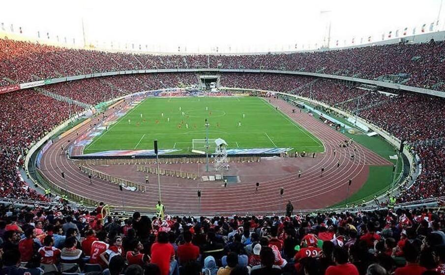 lo stadio azadi di teheran (foto wikipedia)