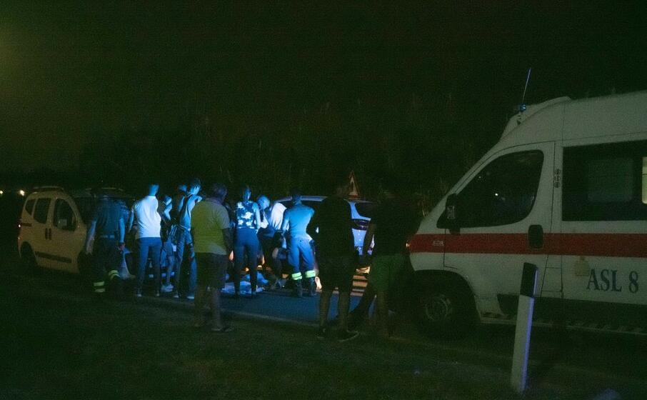 i soccorsi inutili nella strada tra simbirizzi e sant isidoro (foto l unione sarda messina)