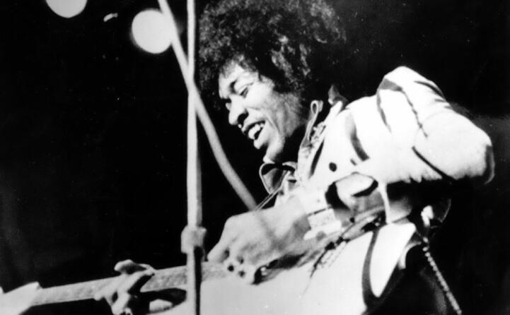 ll chitarrista e cantautore viene trovato morto nell appartamento che aveva affittato