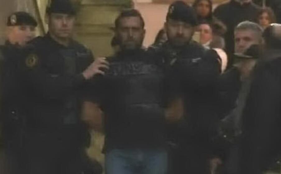 igor il russo nelle prime immagini dell arresto in spagna (ansa)