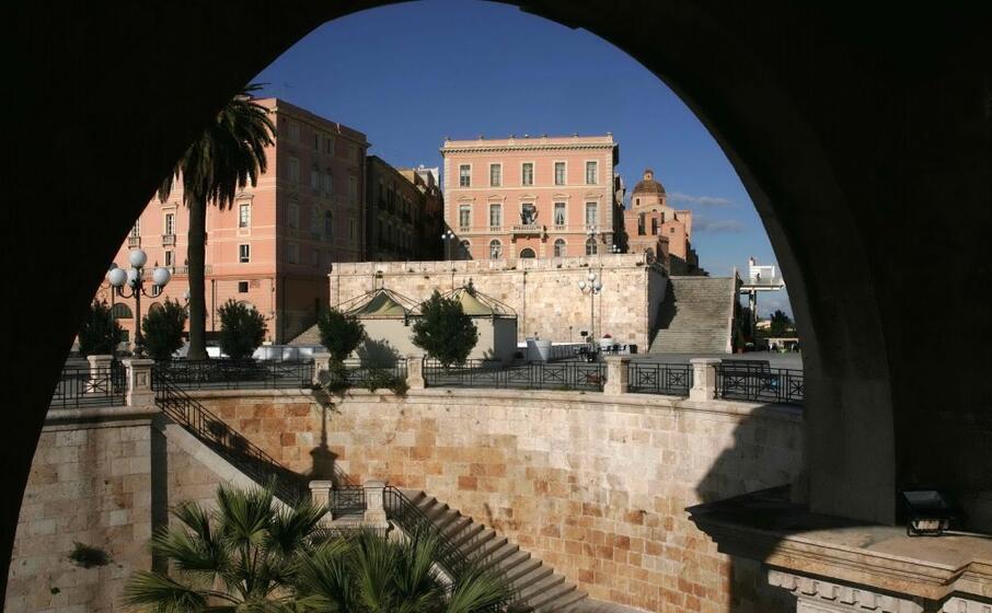 uno scorcio del centro storico di cagliari (archivio l unione sarda)
