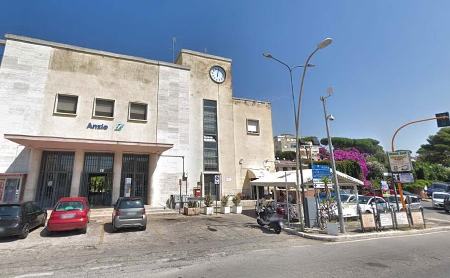 la stazione di anzio (google maps)