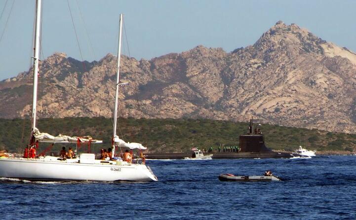 un sommergibile usa a propulsione nucleare alla maddalena (tutte le foto sono archivio l unione sarda)