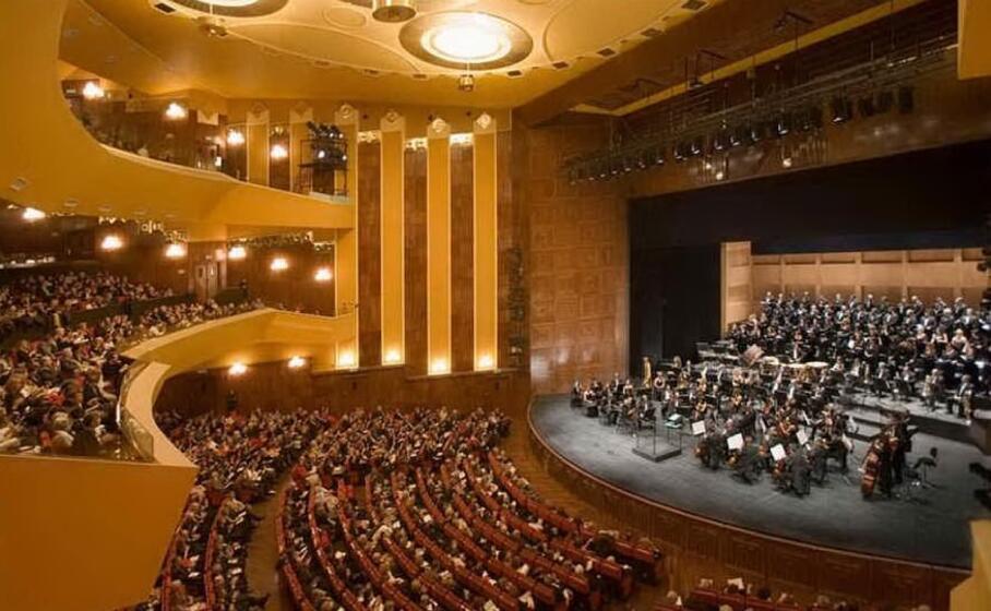 il teatro lirico (archivio l unione sarda)