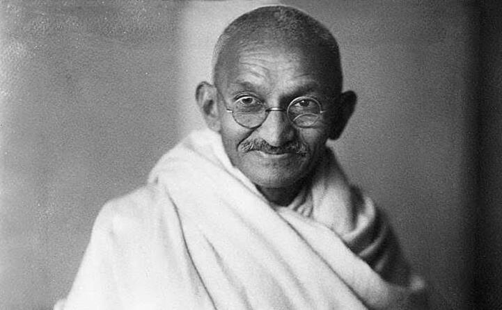 accaddeoggi il 2 ottobre del 1869 nasce il mahatma gandhi